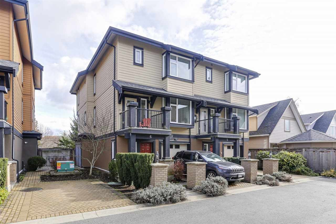 "Main Photo: 6 4766 55B Street in Delta: Delta Manor Townhouse for sale in ""MANOR GARDENS"" (Ladner)  : MLS®# R2438999"
