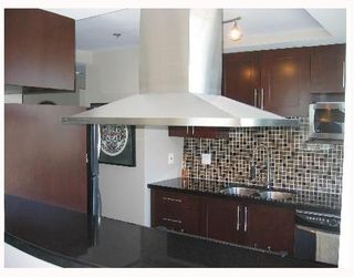 """Photo 4: 2005 289 DRAKE Street in Vancouver: Downtown VW Condo for sale in """"PARKVIEW TOWER"""" (Vancouver West)  : MLS®# V661632"""