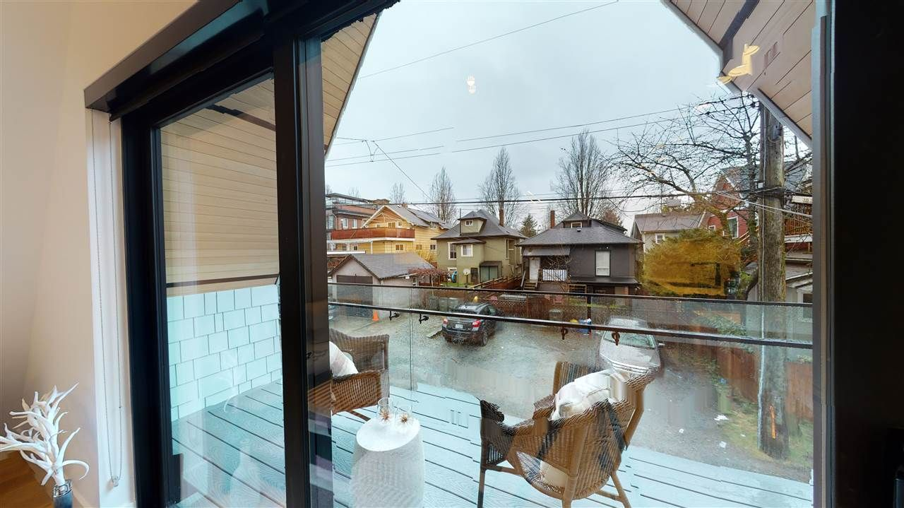 Photo 20: Photos: 1914 GRAVELEY Street in Vancouver: Grandview Woodland 1/2 Duplex for sale (Vancouver East)  : MLS®# R2535206