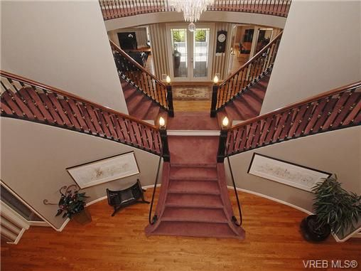 Photo 2: Photos: 244 King George Terrace in VICTORIA: OB Gonzales Residential for sale (Oak Bay)  : MLS®# 328404