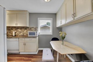 Photo 11: 27 Young Crescent in Regina: Glencairn Residential for sale : MLS®# SK864645