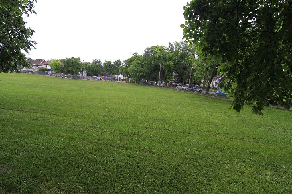 Photo 50: Photos: 470 Clifton Street in Winnipeg: Wolseley Single Family Detached for sale (West Winnipeg)  : MLS®# 1314152
