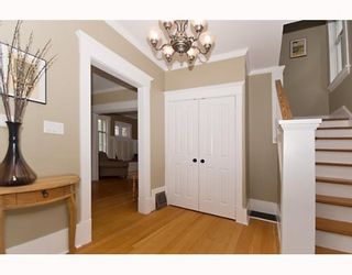 """Photo 3: 1949 ADANAC Street in Vancouver: Grandview VE House for sale in """"COMMERCIAL DRIVE"""" (Vancouver East)  : MLS®# V652514"""