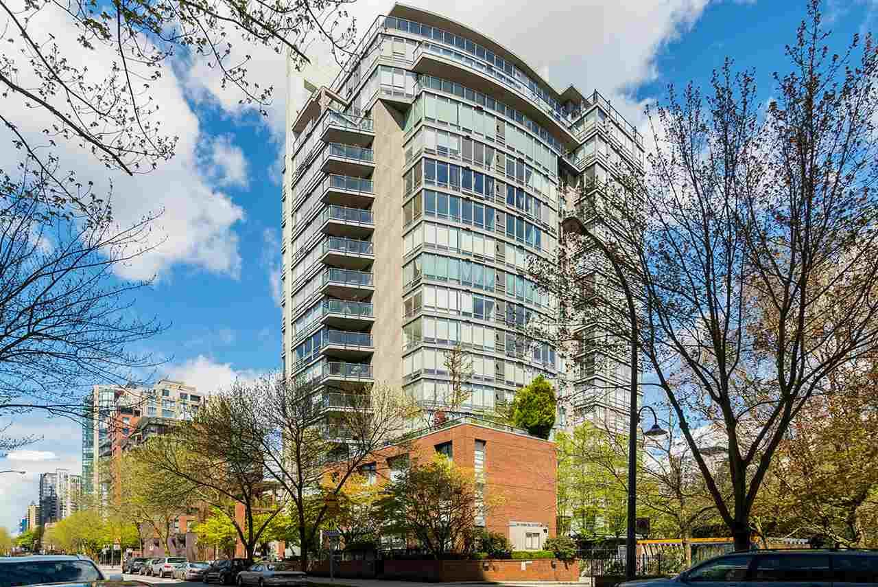 """Main Photo: PHB 139 DRAKE Street in Vancouver: Yaletown Condo for sale in """"CONCORDIA II"""" (Vancouver West)  : MLS®# R2169422"""