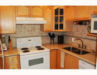 """Photo 3: 2889 YUKON Street in Vancouver: Mount Pleasant VW Townhouse for sale in """"CITY HALL"""" (Vancouver West)  : MLS®# V779981"""