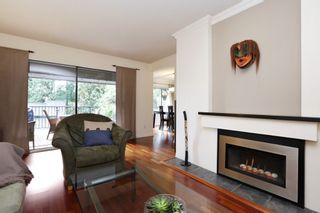 """Photo 5: 822 FREDERICK Road in North Vancouver: Lynn Valley Townhouse for sale in """"Lara Lynn"""" : MLS®# R2214486"""