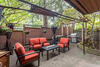 Photo 2: 109 2211 West 2nd in Vancouver: Kitsilano Condo for sale (Vancouver West)  : MLS®# R2237180