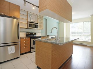 Photo 7: 102 7418 BYRNEPARK WALK in Burnaby: South Slope Condo for sale (Burnaby South)  : MLS®# R2072902