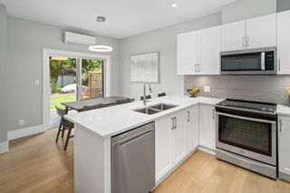 Photo 12: 2 3031 Jackson St in : Vi Hillside Row/Townhouse for sale (Victoria)  : MLS®# 878315