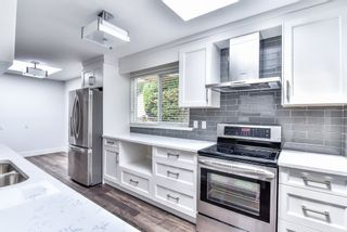 Photo 5: 1613 142 Street in Surrey: Sunnyside Park Surrey House for sale (South Surrey White Rock)  : MLS®# R2217174