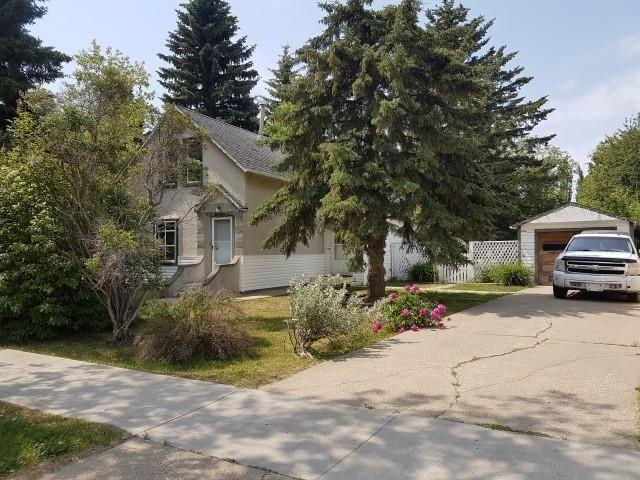 Main Photo: 9914 101 Street: Morinville House for sale : MLS®# E4253487