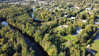 Photo 4: 121 Delta Drive in Howie Centre: 202-Sydney River / Coxheath Residential for sale (Cape Breton)  : MLS®# 202124425