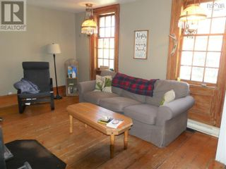 Photo 3: 465 MAIN Street in Liverpool: House for sale : MLS®# 202124233