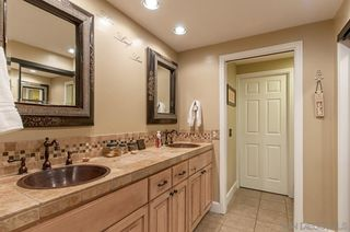 Photo 10: MOUNT HELIX House for sale : 4 bedrooms : 4326 Calavo Drive in La Mesa