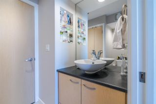 """Photo 6: 1705 969 RICHARDS Street in Vancouver: Downtown VW Condo for sale in """"Mondrian II"""" (Vancouver West)  : MLS®# R2344228"""