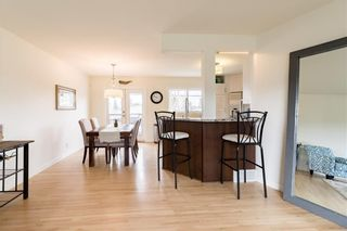 Photo 5: 143 Capri Avenue NW in Calgary: Charleswood Detached for sale : MLS®# A1114057