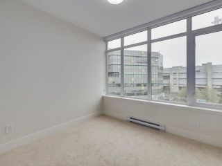 """Photo 12: 807 258 NELSON'S Court in New Westminster: Sapperton Condo for sale in """"THE COLUMBIA"""" : MLS®# R2575801"""