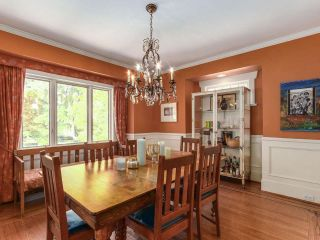 Photo 3: 3960 W 13TH Avenue in Vancouver: Point Grey House for sale (Vancouver West)  : MLS®# R2211924