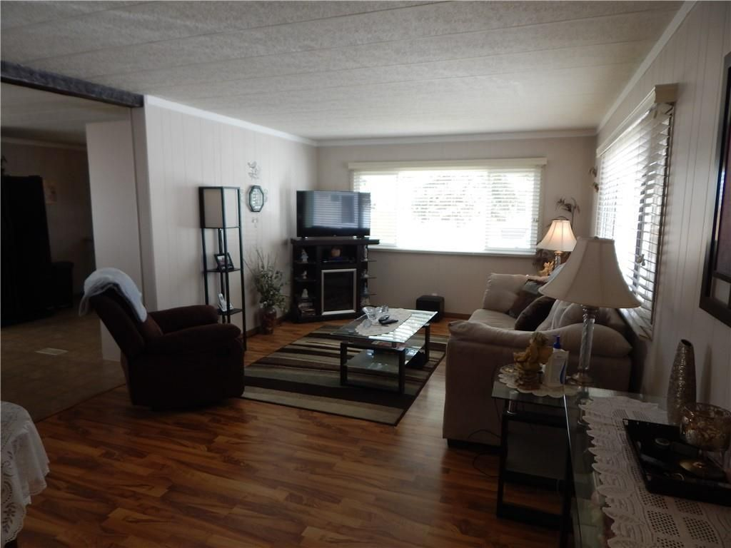 Photo 4: Photos: 257 6220 17 Avenue W in Calgary: Red Carpet Mobile for sale : MLS®# C4293054