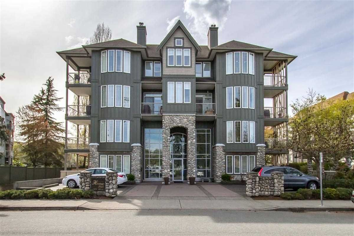Main Photo: 301 5475 201 STREET in : Langley City Condo for sale : MLS®# R2359730