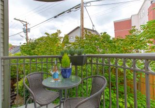 """Photo 15: 207 888 W 13TH Avenue in Vancouver: Fairview VW Condo for sale in """"CASABLANCA"""" (Vancouver West)  : MLS®# R2485029"""