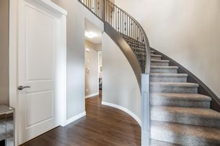 Photo 2: 90 Sherwood Road NW in Calgary: Sherwood Detached for sale : MLS®# A1109500