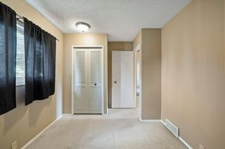 Photo 4: 2719 41A Avenue SE in Calgary: Dover Detached for sale : MLS®# A1132973