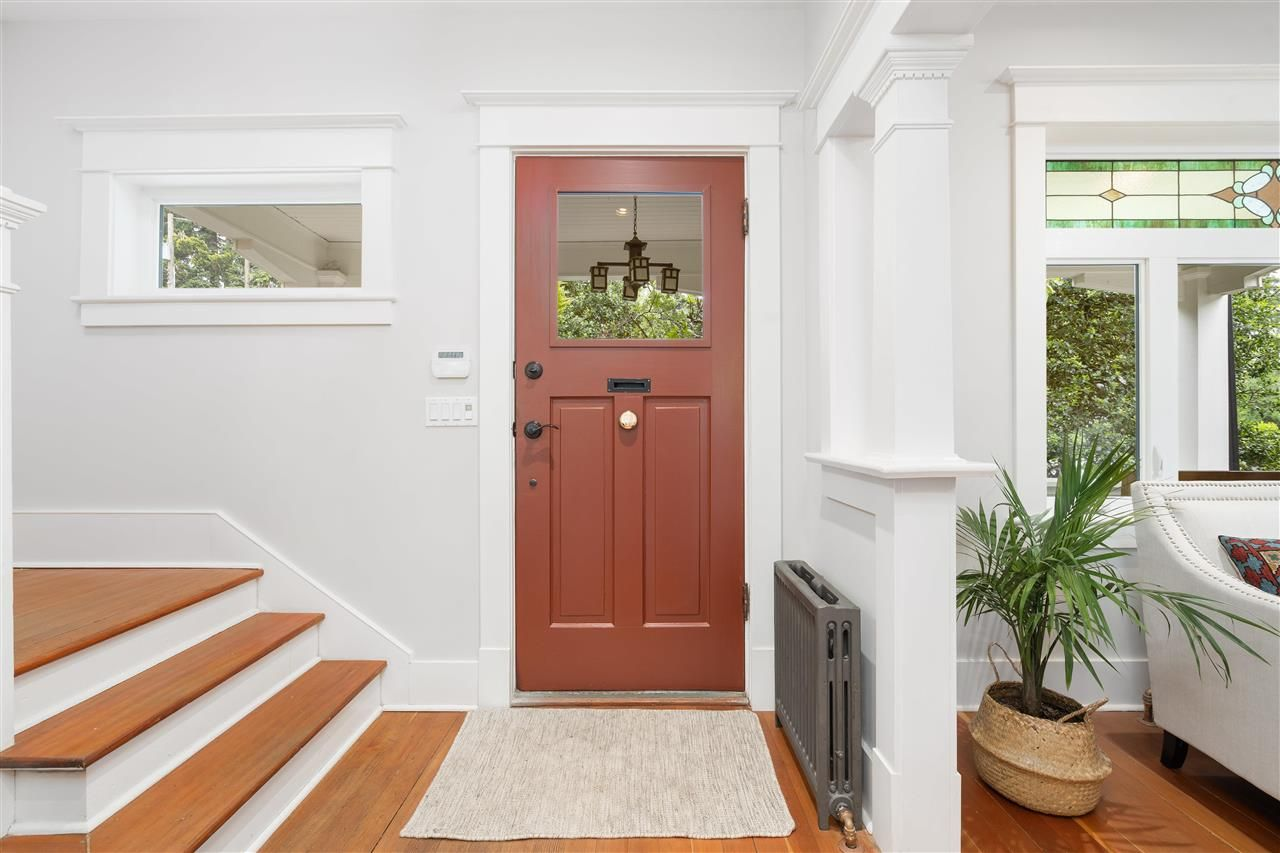 Photo 4: Photos: 849 DURWARD Avenue in Vancouver: Fraser VE House for sale (Vancouver East)  : MLS®# R2584821