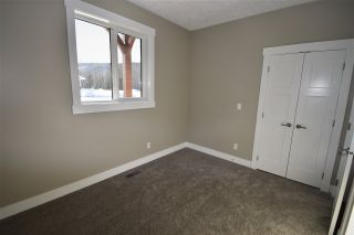 """Photo 22: 3040 TRAILSIDE Drive in Smithers: Smithers - Town House for sale in """"Ambleside"""" (Smithers And Area (Zone 54))  : MLS®# R2541836"""