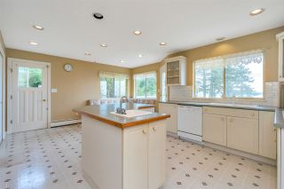 """Photo 14: 14887 HARDIE Avenue: White Rock House for sale in """"White Rock"""" (South Surrey White Rock)  : MLS®# R2509233"""