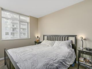 "Photo 13: 2501 888 CARNARVON Street in New Westminster: Downtown NW Condo for sale in ""MARINUS"" : MLS®# R2115352"