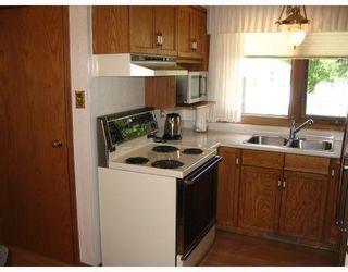 Photo 2: 147 STRADFORD Street in WINNIPEG: Westwood / Crestview Residential for sale (West Winnipeg)  : MLS®# 2913110