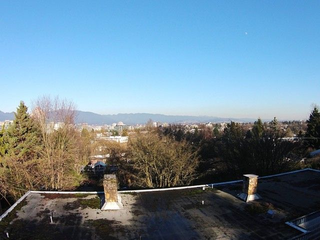 """Main Photo: 1102 WOLFE Avenue in Vancouver: Shaughnessy House for sale in """"SHAUGHNESSY"""" (Vancouver West)  : MLS®# V1112558"""