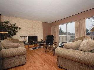 Photo 4: 3959 Marjean Pl in Victoria: Residential for sale : MLS®# 287191