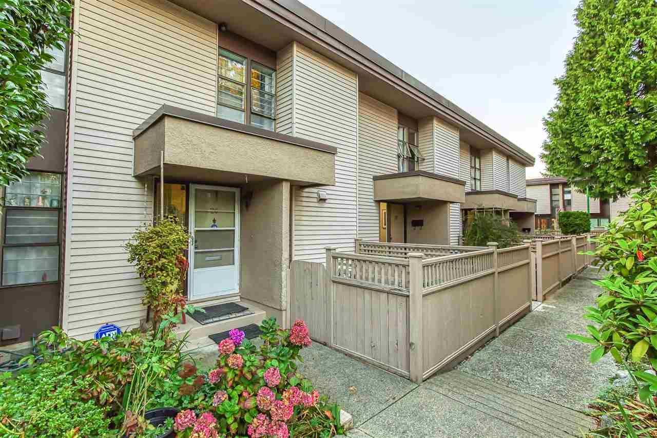 """Main Photo: 26 13785 102 Avenue in Surrey: Whalley Townhouse for sale in """"THE MEADOWS"""" (North Surrey)  : MLS®# R2484799"""