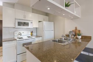 """Photo 6: 1321 938 SMITHE Street in Vancouver: Downtown VW Condo for sale in """"ELECTRIC AVENUE"""" (Vancouver West)  : MLS®# R2338618"""