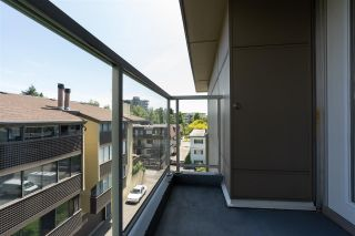 """Photo 33: PH10 1288 CHESTERFIELD Avenue in North Vancouver: Central Lonsdale Condo for sale in """"Alina"""" : MLS®# R2479203"""