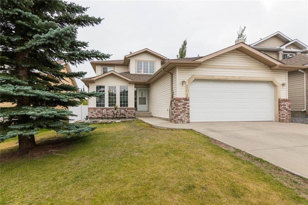 Main Photo: 201 MACEWAN PARK View NW in Calgary: MacEwan Glen Detached for sale : MLS®# C4232497