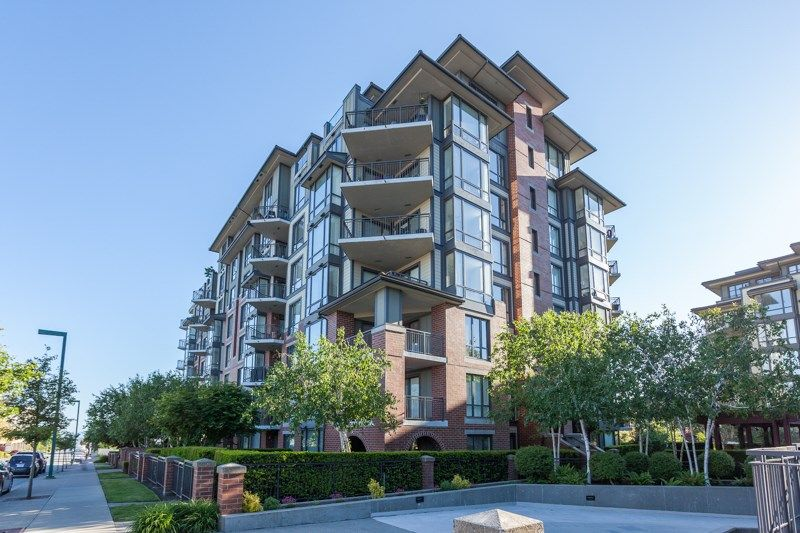 """Photo 1: Photos: 306 1551 FOSTER Street: White Rock Condo for sale in """"Sussex House"""" (South Surrey White Rock)  : MLS®# R2170329"""