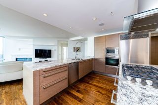 Photo 4: 4301 1111 ALBERNI Street in Vancouver: West End VW Condo for sale (Vancouver West)  : MLS®# R2608664