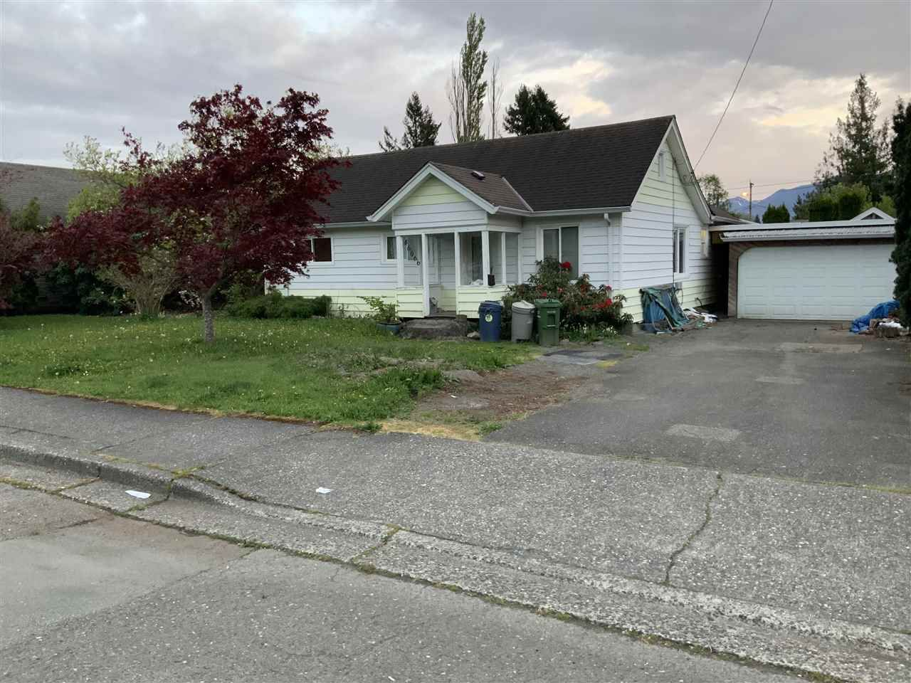 Main Photo: 46066 SECOND Avenue in Chilliwack: Chilliwack E Young-Yale House for sale : MLS®# R2452536