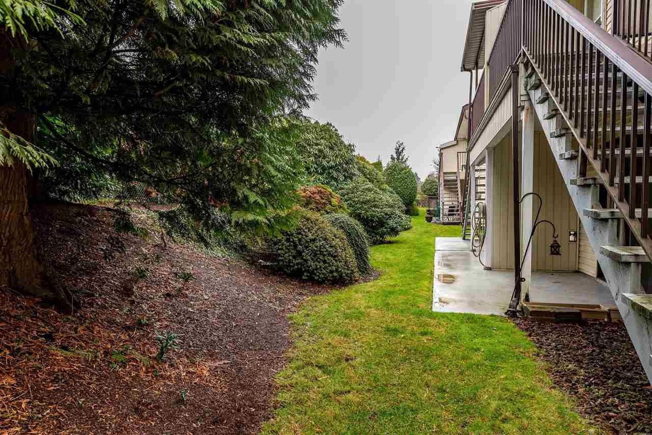"""Photo 19: Photos: 11 32959 GEORGE FERGUSON Way in Abbotsford: Central Abbotsford Townhouse for sale in """"Oakhurst Park"""" : MLS®# R2424531"""