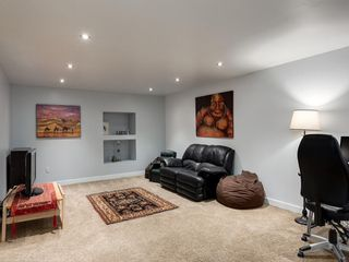 Photo 32: 7020 78 Street NW in Calgary: Silver Springs Detached for sale : MLS®# C4244091