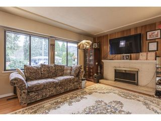 Photo 6: 838 DUNDONALD Drive in Port Moody: Glenayre House for sale : MLS®# R2554927