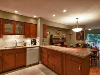 """Photo 1: 3944 INDIAN RIVER Drive in North Vancouver: Indian River Townhouse for sale in """"HIGHGATE TERRACE"""" : MLS®# V875032"""