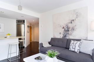 "Photo 4: 407 1500 HOWE Street in Vancouver: Yaletown Condo for sale in ""THE DISCOVERY"" (Vancouver West)  : MLS®# R2467509"