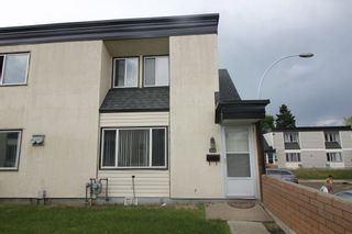 Photo 2:  in Edmonton: Zone 23 Townhouse for sale : MLS®# E4248974