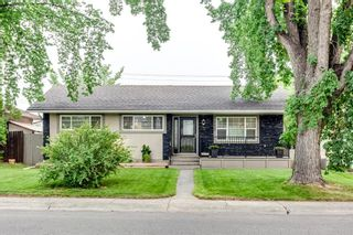 Main Photo: 112 Westwood Drive SW in Calgary: Westgate Detached for sale : MLS®# A1136672