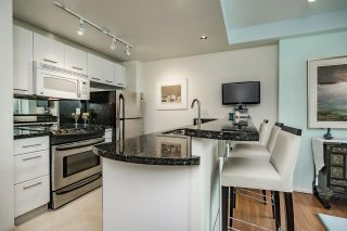 """Photo 7: 1803 1331 W GEORGIA Street in Vancouver: Coal Harbour Condo for sale in """"THE POINTE"""" (Vancouver West)  : MLS®# R2073333"""