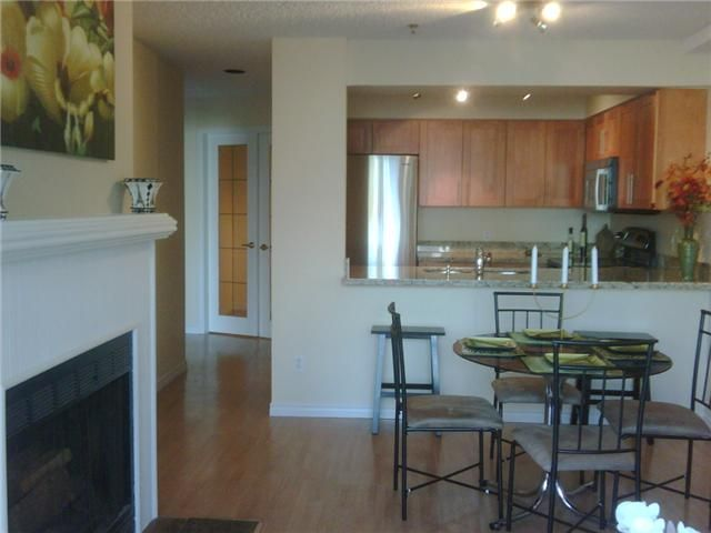 """Main Photo: 21 939 W 7TH Avenue in Vancouver: Fairview VW Townhouse for sale in """"MERIDIAN COURT"""" (Vancouver West)  : MLS®# V829669"""